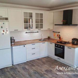 Кухня МДФ крашенный KM 141. Кухни на заказ в Симферополе с ценами и фото