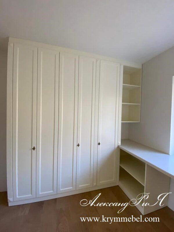 Шкафы в гардеробную комнату