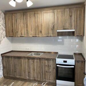 Кухня в классическом стиле для загородного дома